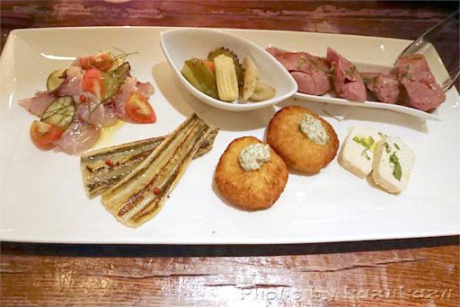 ワインバー繭の料理の写真