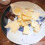 ワインバー繭 - チーズ