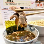 大龍 - つけ麺の具は細切りチャーシューとメンマ