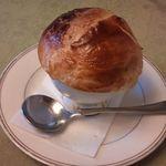 ミラマール - スープ・デ・トリュフ。トリュフとフォアグラが入ってます。
