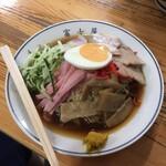 富士屋 - 料理写真:冷し中華 830円