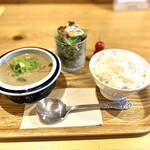 135694523 - グリーンカレー定食 950円(税込)