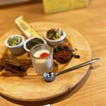 135694529 - ・アンチョビのコロッケ                         ・ゴボウと牛肉のバルサミコきんぴら                         ・ブルーチーズと芋のキッシュ                         ・青ウリのナムル                         ・ポタージュのゼリー寄せ                         ・なすの揚げ浸し                         ・豚肉のマリネ