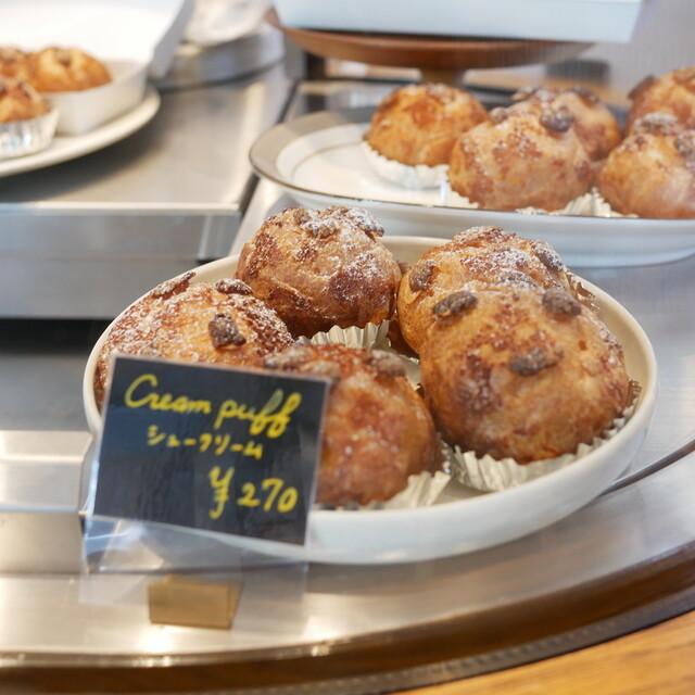 Equal 幡ヶ谷 トンカ豆の香りに魅せられたフレジエとバニラアプリコットケーキ『Equal』(3月)