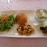 ベルヴェデーレ - 鶏と春キャベツのフリカッセ