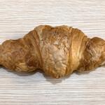 山梨パン工房 モンマーロ - パリクロワッサン