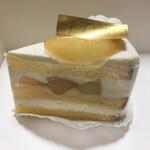 パティスリーオクサリス - 桃のショートケーキ