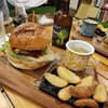 クラフターズキャンプ - 料理写真:BBQチーズバーガー 990円