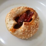 ブーランジェリー ブリュン - ドライトマトのキーマカレーパン