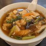 張広東飯店 桜園 - 五目ラーメンは細麺です