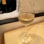 オステリア アルコバレーノ - ピエモンテコルテーゼ白ボトル3,850円