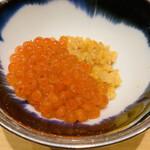 135708914 - ・新いくらの醤油漬けとウニのシャリ和えの小丼