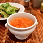 ラシーヌ - 【ビストロ ランチ@2,540円】完熟トマトのスパイススープ