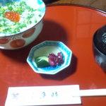 13571275 - しらす丼味噌汁付き