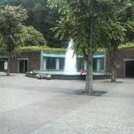 13571784 - 噴水もある。