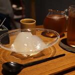 135715544 - 葛餅とほうじ茶