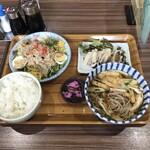 みやこ食堂 - ボリューム満点 きつねそば定食 ¥930