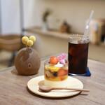 シグネ コーヒー - フルーツゼリーとパッションフルーツムース