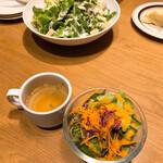 STEAK & CAFE by DexeeDiner - 前菜 いつもは食べないですが、美味しく頂きました。