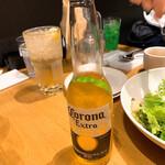 STEAK & CAFE by DexeeDiner - コロナに負けるなという意気込みで、コロナビールを注文