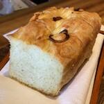 トラットリア シン - パスタコースの本日のパン(フォカッチャ)
