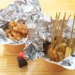 串串 - 焼鳥・串カツのテイクアウトも人気です!