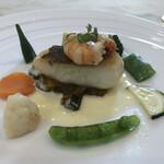 リストランテ・チェレスティーナ - 天然鯛と海老のポワレ(カポナータ添え)
