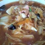 レストラン三國 - 甘めで個性的な五目焼そばです。