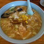 サッポロラーメン羆由良店 - 石狩(味噌味、鮭、野菜入り)