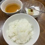 担々麺 杉山 - ごはん、杏仁豆腐、ジャスミン茶付き