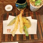 福助 - 海老2本と野菜の天ぷら2品