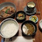 135759840 - 煮魚定食