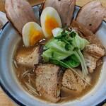 めんや 正明 - 鰤チャーシュー麺   醤油(ネギ抜きです。)   +  味玉