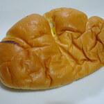 布屋パン店 - カスタードリームパン160円
