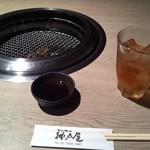 神戸屋 - ランチの烏龍茶とタレ