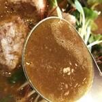 スープカレー トムトムキキル - スープはこんな感じ