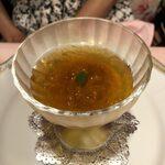 135775589 - なめらかなかぼちゃのムースと北海道産バフンウニ 金華ハムのコンソメ・ジュレ
