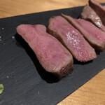 つくば おしゃれに食べてやせる肉 BAR 85 - 極上牛タンのローストビーフ