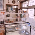 ル・リベラリスム・シーオー パティスリー・タツヤ・ササキ - 昼過ぎでほぼ売り切れ!
