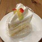 MAISON GIVRÉE - 料理写真:クラウンメロンショート 480円(税別)