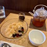 和菓子菓寮ocobo - 白玉きな粉 冷たいほうじ茶セット