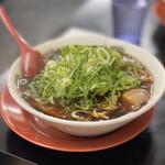 新福菜館 - 中華そば(並) 750円