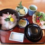 割烹 福寿司 - 海鮮丼¥1,100