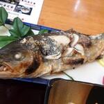 割烹 福寿司 - 焼き魚(ワカシ?)