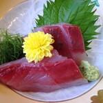 割烹 福寿司 - 刺身(イナダとワカシ?)