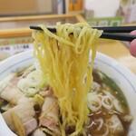 ジロー's テーブル - 麺は平打ちの縮れのいい食感。