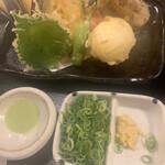 135796620 - 衣がパリッパリ食感の天ぷら♡