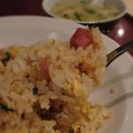 深井飯店 - 焼き飯(スープ付)500円