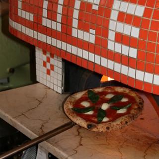 平日限定、石窯焼きピッツァ&自家製生パスタの食べ放題プラン