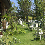 銀カフェ・リビングルーム - テラス席は安心だけど、さすがにこの暑さでは。